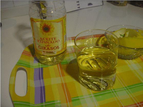 Resultado de imagem para meio copo de óleo